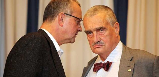 Schwarzenberg ohlásil, že nebude kandidovat na předsedu TOP 09. Nahradit by jej prý měl Kalousek