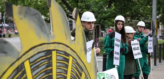 """Ministři Mládek a Brabec se hádali o limity uhlí. Brabec mluvil o """"srabáctví"""""""