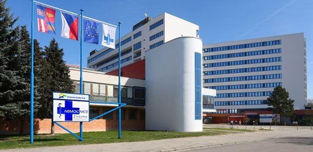 V Nemocnici Znojmo byl dnes poprvé podán přípravek REGN-COV2
