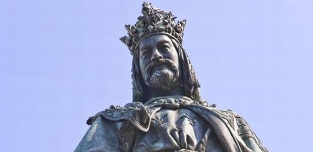 Národní archiv vystavuje originální dokumenty z doby Karla IV.