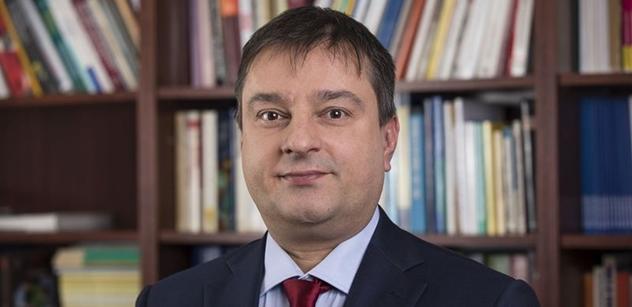 Maďarský profesor: Němci chtějí migranty na práci. Soros a Brusel našli skrytou cestu, jak nás obejít