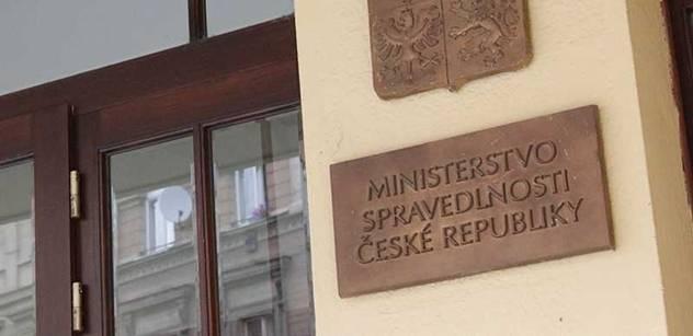 MSp: Za nepodání oznámení o příjmech hrozí veřejným funkcionářům pokuta až 50 tisíc korun