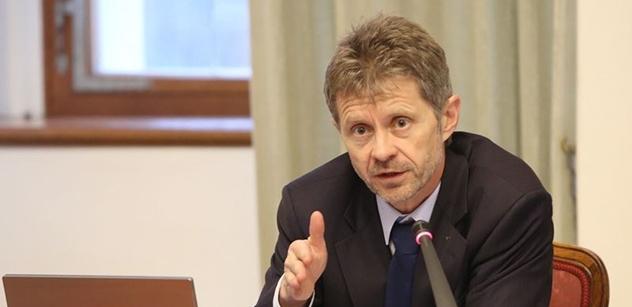 Senátor Vystrčil: Zvednout důchody o 1000 korun. Ženám matkám, které jsou 25 let seniorkami