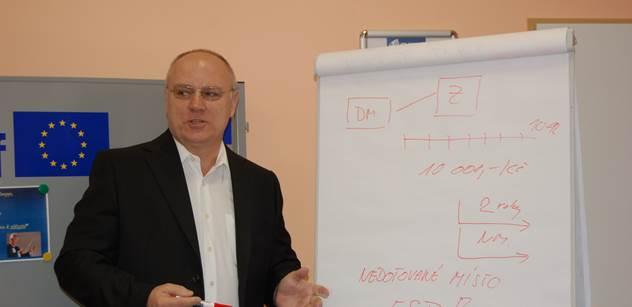 Vysloužilý plukovník z Bosny o Ukrajině i zvláštním povolání jménem politika. Svět by si měl dát pozor