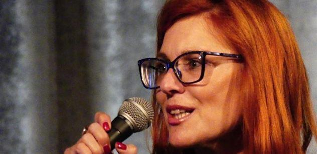 Vládní politici se už úplně zbláznili, obává se poslankyně Majerová Zahradníková. Hamáčkovi by prospělo, aby vypadl ze sněmovny a zkusil si normální život
