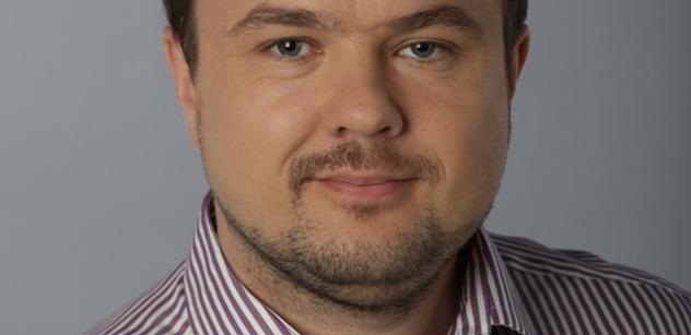 """Senátní kandidát Vacek (HOZK): Senát je """"politický starobinec"""", který je třeba zrušit"""