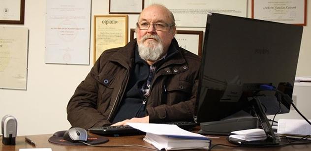 Profesor Max Kašparů: Jsi vlastenec? Jsi xenofob, až rasista. Zakazuješ něco dětem? Jsi tyran a měli by ti je odebrat