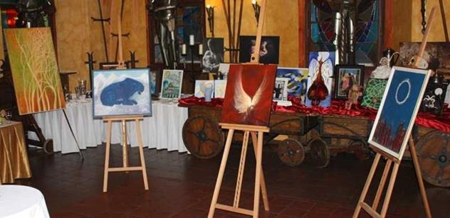 Čeští umělci a známé osobnosti podpořili projekt centra Modré dveře