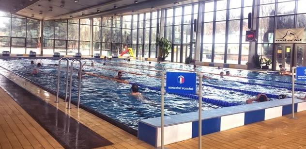 Praha 5: Levnější plavání pro seniory
