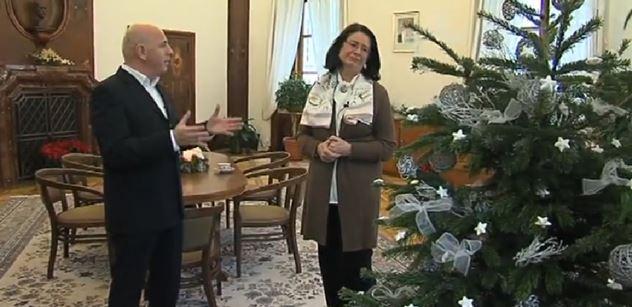 """""""Peču si sama."""" """"To je krása!"""" Němcová a boj za ČT: Xaver zbystří"""