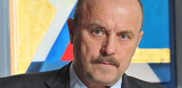 Hejtman Novotný zakládá nadační fond. Živit ho chce svým poslaneckým platem