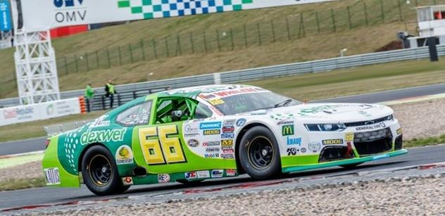 Legendární NASCAR letos poprvé v Česku – víkendová OMV MaxxMotion NASCAR Show na autodromu Most