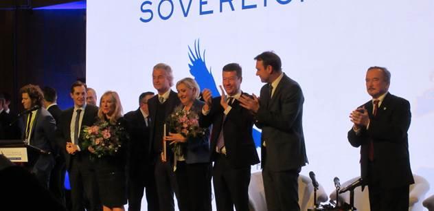 Já to viděl! Já taky! Nové informace kolem násilí na konferenci Okamury, Le Penové a Wilderse