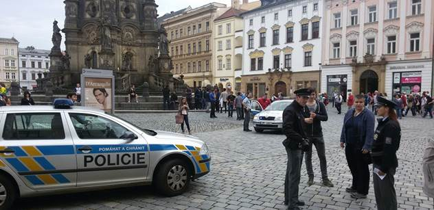 Za pár let budete naši otroci, křičeli muslimové v Olomouci. Napadli tam stánek s peticí
