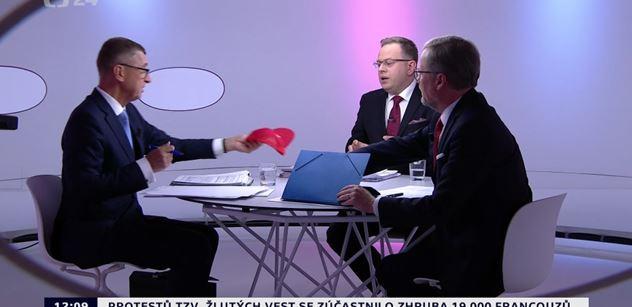 Vy mluvíte dost, utnul premiéra Moravec. Fiala se posmíval, že ODS má program a Babiš jen červené čepice