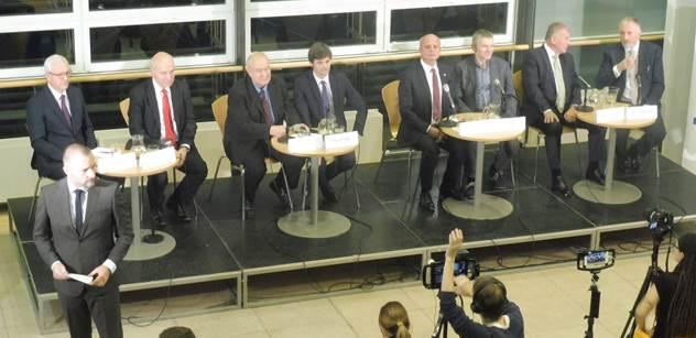 Debata Zemanových protikandidátů: Topolánek naznačil, proč se stal Babišovým nepřítelem. V závěru se jeden z diskutérů utrhl ze řetězu: Nejdříve bych jel do Bruselu a tam...