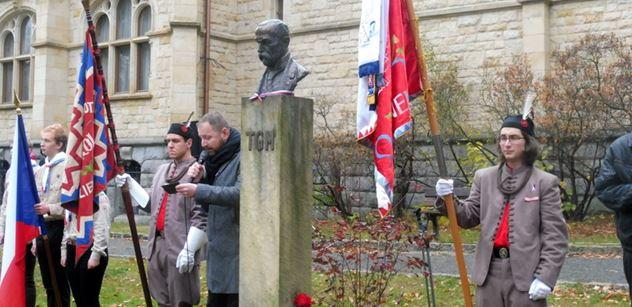 Ve městě, které před sto lety Československo nevítalo: Dnes tu Masaryk házel buly na hokeji a u radnice se přednášelo o programu laskavosti
