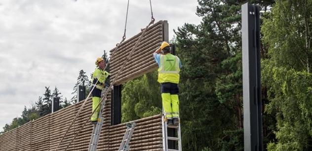 ŘSD staví na dálnici D0 u Ořechu novou protihlukovou stěnu