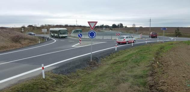 Šidlo (KSČM): Nebát se a nekrást – Plzeňáci si sami opravují silnice 2. a 3. třídy