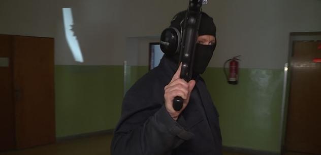 Na škole v Českém Krumlově se střílelo. Šlo ale jen o cvičení