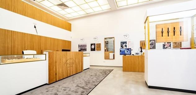 Český výrobce hodinek PRIM opět otevírá své prodejny