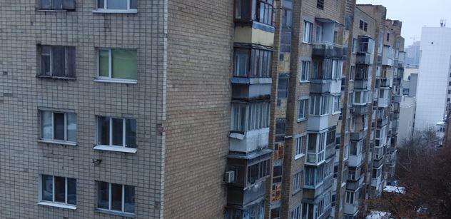 FOTO Kyjev: Ceny západní, platy východní. Do nákupáku se lidé chodí spíš podívat. Už abychom byli v EU, říkají