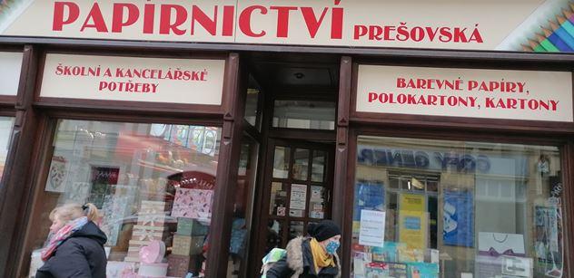 """""""Chtějí zničit maloobchod! Prodávají s*ačky..."""" Pikantní slova u několika otevřených obchodů v Plzni"""