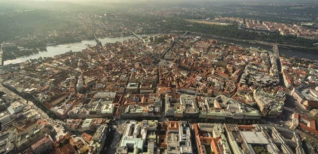 Vedení Prahy si našlo nové téma. Výzkumníci budou zkoumat, jací turisté chlastají a dělají bordel