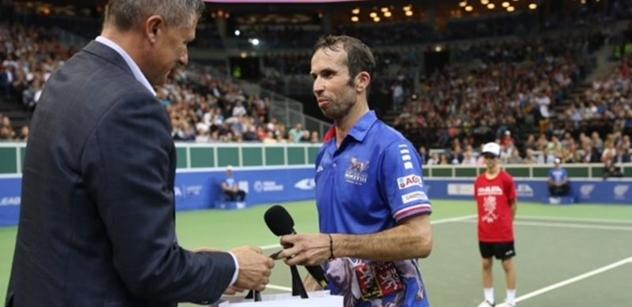 Prezident Zeman vyznamená tenistu Štěpánka, který se minulý týden rozloučil s kariérou