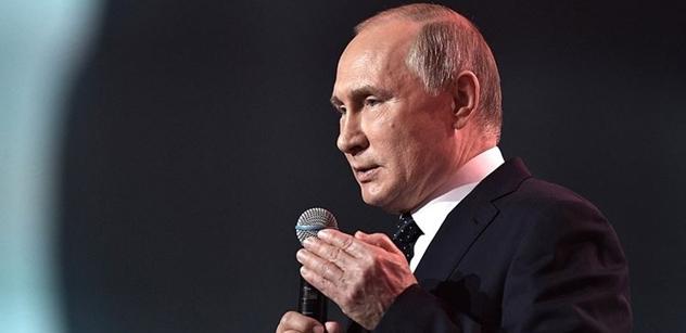 Putin složil prezidentský slib a doporučil na premiéra Medveděva