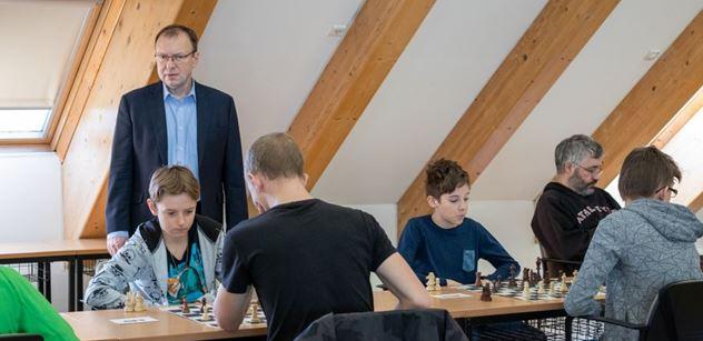 Praha 5: Petr Lachnit zahájil XXII. ročník šachového Turnaje kosmonautů