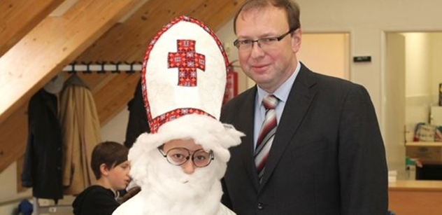 Praha 5: Petr Lachnit zahájil Mikulášskou šachovou nadílku