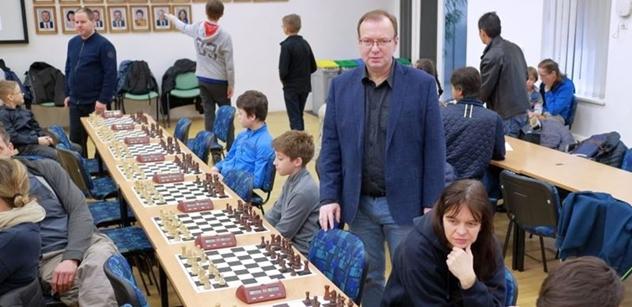 """Praha 5: Petr Lachnit zahájil XXI. ročník šachového """"Turnaje kosmonautů"""""""