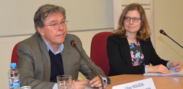 Europoslanec Rouček přednášel: Byl jsem také uprchlík a chtěl žít v Německu. Přál bych si, aby EU byla federací jako USA