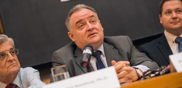 Advokát Rozehnal pro PL: Tradiční rodina je mrtvá a nic ji nenahradilo. Je to i kvůli emancipaci žen. Istanbulská smlouva může být nebezpečná