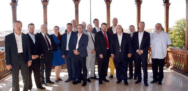 Novináři si proklepli senátní kandidáty SPD. Našli spoustu kritiků EU