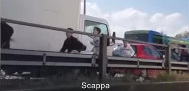 VIDEO Upálí nám děti, když nezachráníme migranty? Itálie: Matteo Salvini k vážnému útoku