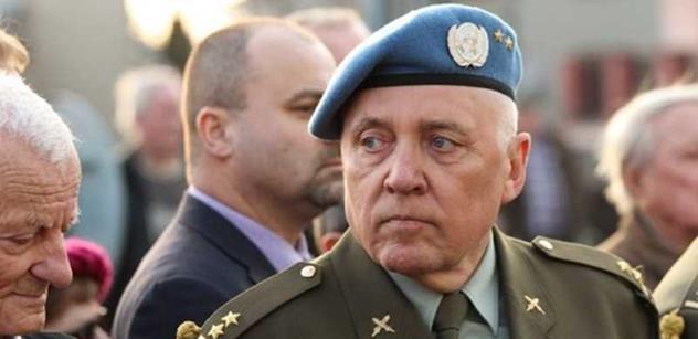 Plukovník Skácel, účastník armádních misí: Jsou to vetřelci, žádní uprchlíci! Je to invaze, kterou někdo řídí, aby nás zničil. Nedojímá mě, že se utopili