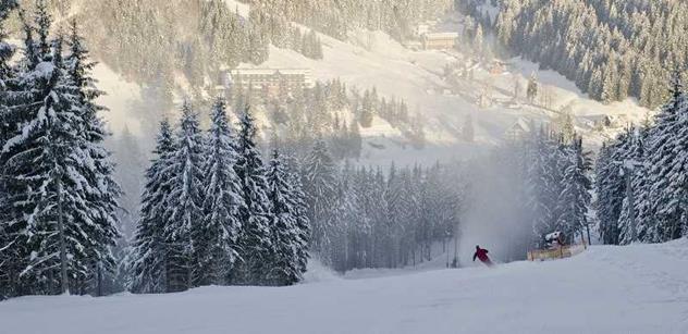 Ve Ski areálu Razula Velké Karlovice začali zasněžovat