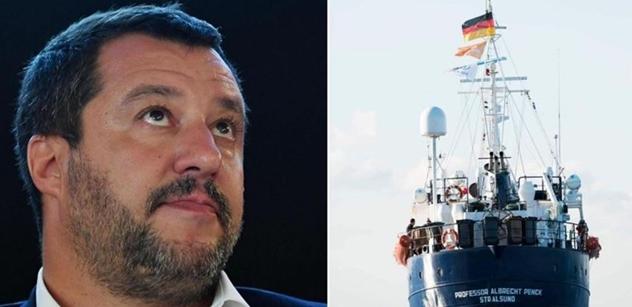 """""""Zadržet migranty! Zatýkat!"""" Salvinimu prošel zákon: Nebudu marnit čas. Klidně nové volby"""