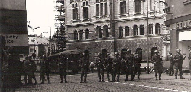 Demonstrace v srpnu 1969 mají víc obětí, než se uvádí, tvrdí historici