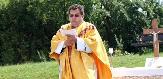 Jan Pavel II. se rouhal Bohu, šokuje katolický kněz
