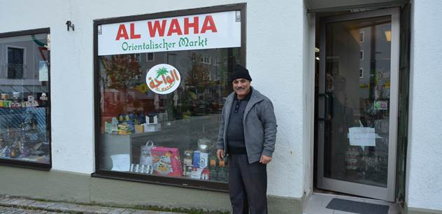 """Takto vypadá """"kultura vítání"""". Syrští obchodníci si pochvalují bavorské městečko, všichni jsou na ně milí..."""