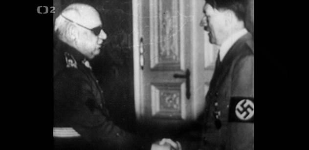 Otevřel dveře. Tam Hitler. A bylo hotovo. Scény z března 1939, o kterých se nemluví