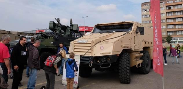 Společnost Tatra dodává armádě klíčová obrněná vozidla. Po Pandurech se nyní zaměří na Titusy