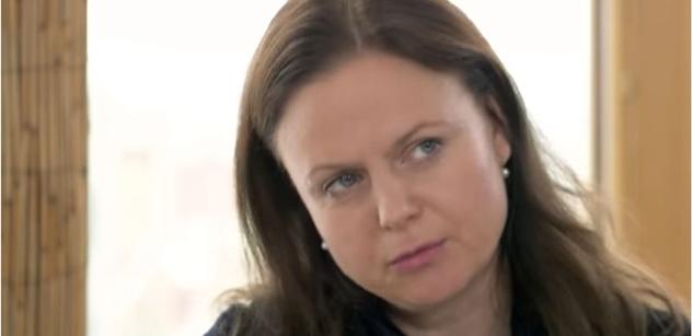 Herečka Theodora Remundová: Strach z muslimů momentálně necítím. Politici nás straší, a pak si pan Babiš přiveze do továrny 80 pracovníků z Mongolska