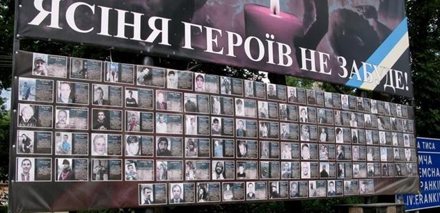 Mladí kluci jezdí bojovat na východ a vracejí se v rakvích. Jsme ve válce, hlásají státní média... Reportér PL navštívil Zakarpatskou část Ukrajiny a viděl toho dost