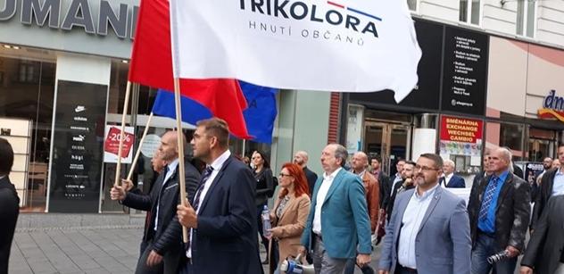 Ze sněmu Trikolóry znějí výbušná slova: Lidé po celé Evropě se probouzejí proti bruselskému establismentu. Budeme hájit odkaz našich předků