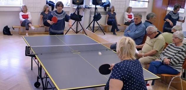 Praha 5: Šestý ročník turnaje SENzačních SENiorů ve stolním tenisu v Komunitním centru Prádelna