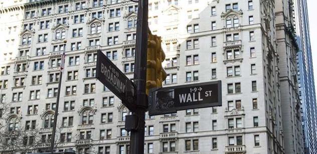 Bankéři jsou na sebevraždu. Vzpoura obyčejných lidí v USA drtí Wall Street. Přišel hodně špinavý krok